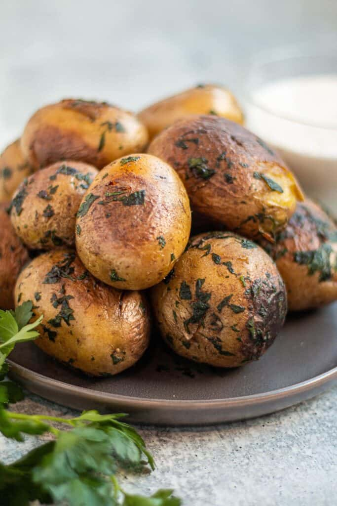 Potatoes with fresh herbs and butter
